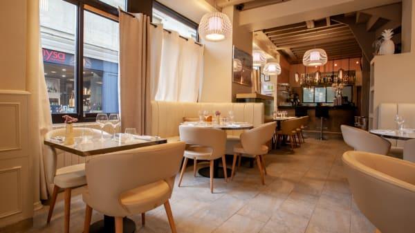 Salle du restaurant - Assinie, Paris