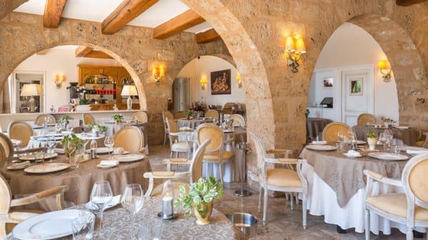 Salle du restaurant - La Bastide de Tourtour, Tourtour