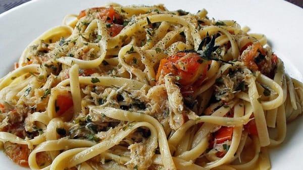 tagliatelle con pomodori, origano e altre prelibatezze - San Mina Ristorante Pizzeria, Magenta