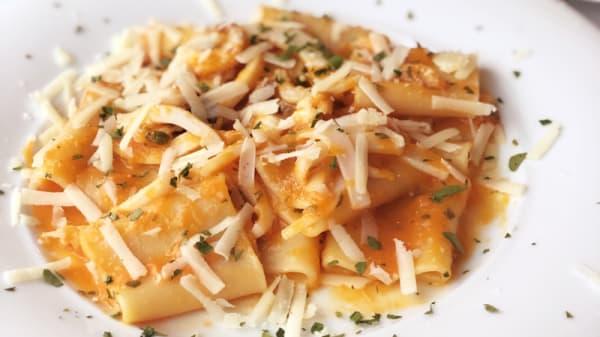 Paccheri con Seppia, Zucca e Pecorino - I Primiammare, Pozzuoli