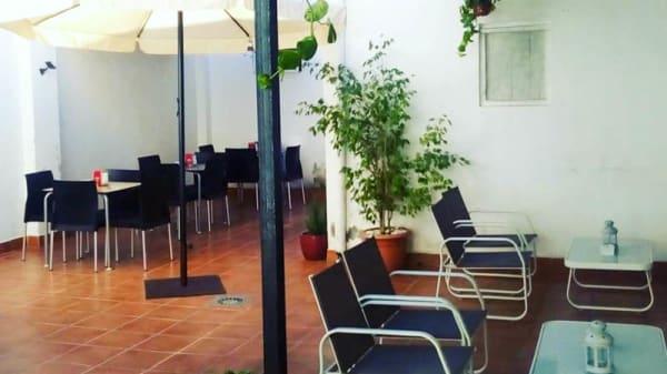 Nuestra terraza chill out - La Estación, Alcasser