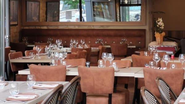 La grande salle - Auberge - Brasserie De L'Europe, Louhans