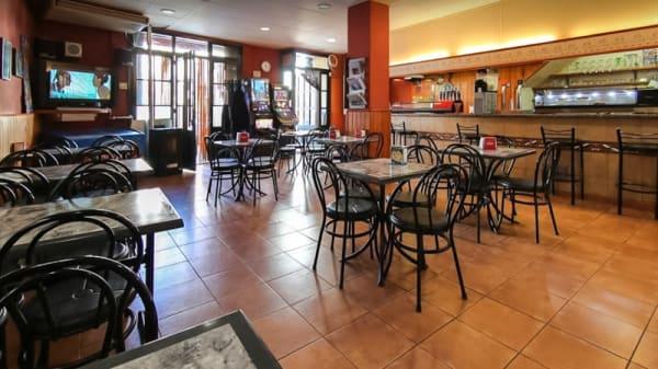 Comedor interior - Café Bar la Plaça, Cornudella De Montsant