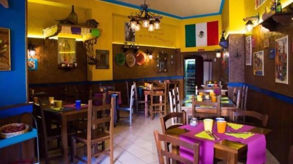 Interno - Restaurante Sabor de México, Avellino