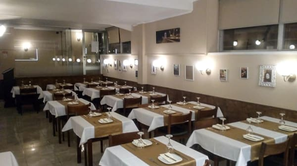 Interno - Pedretti's - A Tasca Portuguesa, Linda-a-Velha
