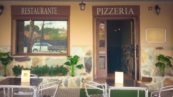 Entrada / terraza - Mangia Bene, Villaviciosa De Odon