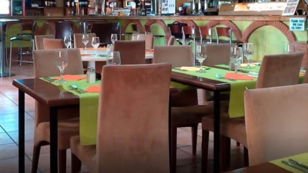 Sala - Paddy Singh's, Los Urrutias