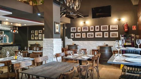 Sala del restaurante - Vermuteria chitin, A Coruña