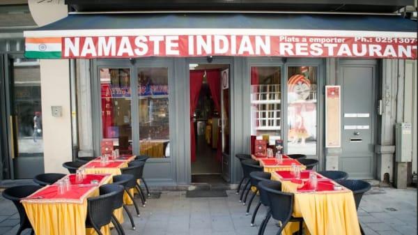 Namaste - Namaste, Brussel