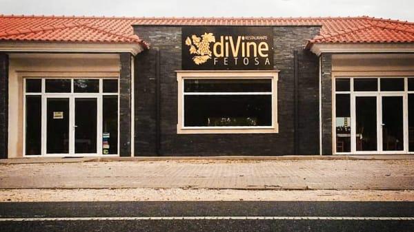 FACHADA - diVine, Fátima