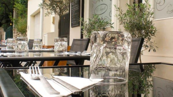 détail table - Gli Angeli, Villejuif