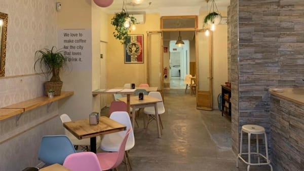 Vista de la sala - Plus que du Cafe, Madrid