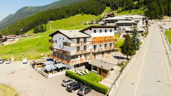 Facciata - Ristorante dell'Hotel Chalet Des Alpes, Gressan