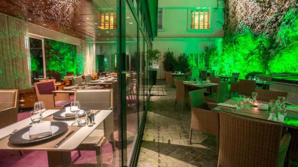 vue salle et terrasse - Le M64 - Hôtel Intercontinental Paris, Paris