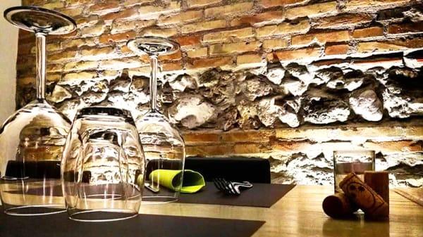 Particolare tavolo - La Taverna, Rocca Massima