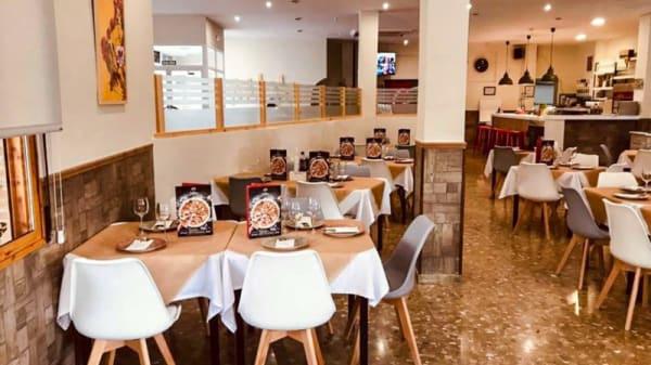 Vista del interior - Pizzería Carlos Consuegra, Baeza