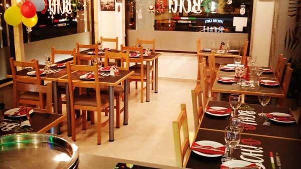 Vista sala - BOH! Italian Grill, Queijas