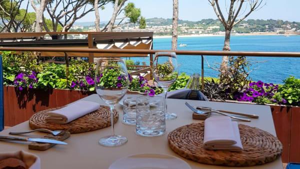 Vista mesa - Sea Club by Paco Pérez - Alàbriga Hotel & Home Suites, Sant Feliu De Guixols