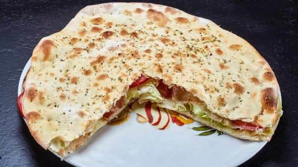 Lo Chef Consiglia - Paprica Pizzeria Di Pardini Piera, Camaiore