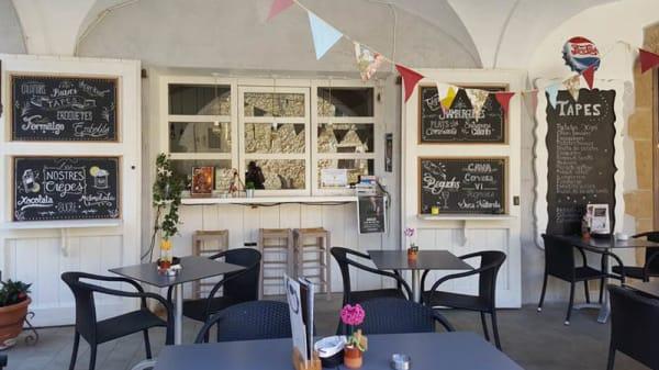 UNA ZONA DE LA TERRASSA - El Café de la Plaça, Verges