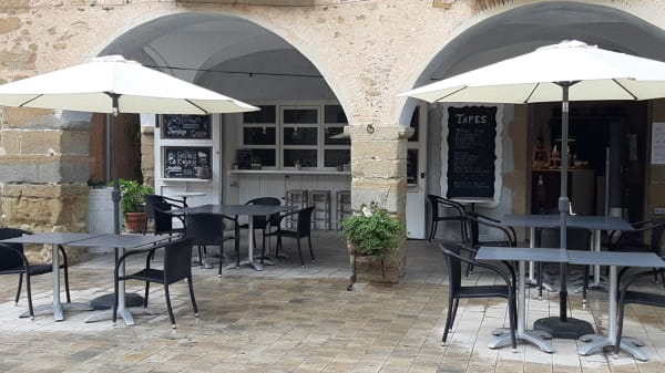 El Café de la Plaça, Verges