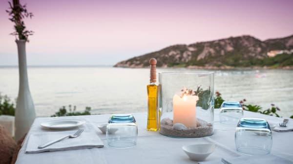 tavolo con vista - CB Lounge - Somu Restaurant, Baja Sardinia