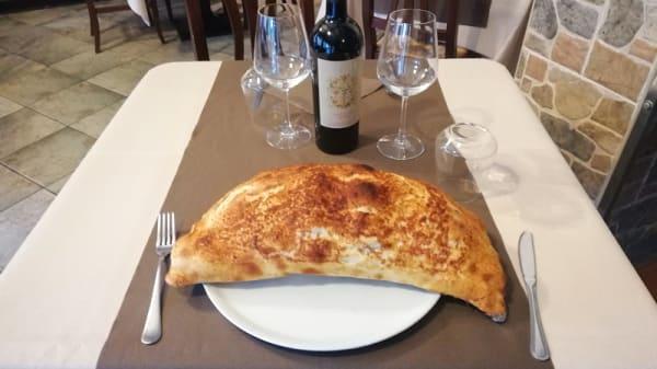 Calzone - Ristorante Pizzeria Meeting, Mozzate