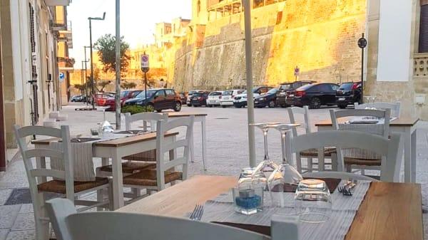 Esterni - Vista mura del borgo antico - Terra Nostra, Otranto