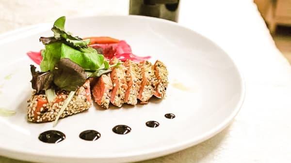 tagliata di tonno - Ristorante By Night- Cucina mediterranea di mare e terra, Olbia