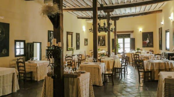 Cenador de las Monjas . Salón principal del restaurante - El Cenador de las Monjas, Pastrana