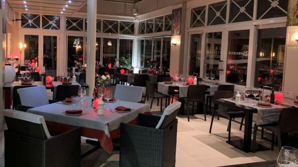 Notre véranda devient aussi Terrasse grâce au fenêtres coulissante vous pouvez réservez même sans Pass Covid - La Braceria Pizzeria - Fratelli Scalea, Petit-Lancy