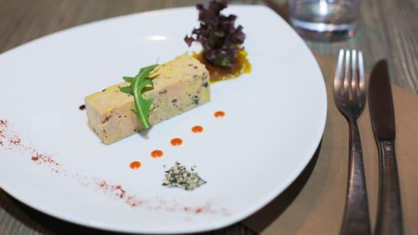 Terrine de foie gras de canard à l'amaretto et truffe noire - Epifani, Paris