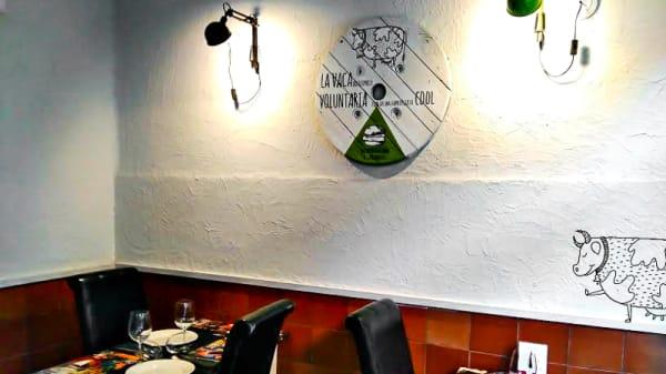 Vista sala - La Vaca que se Ofreció Voluntaria para ser una Hamburguesa Cool, Lleida