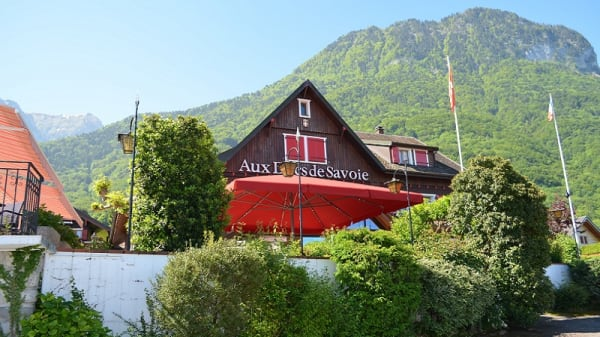 Devanture - Aux Ducs de Savoie, Saint-Gingolph