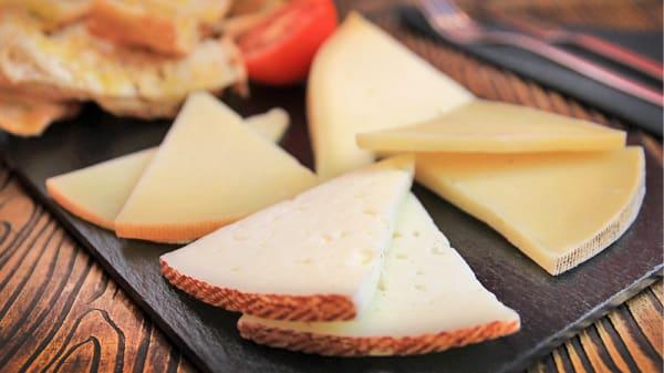 tabla de quesos - De Tapadillo, Barcelona