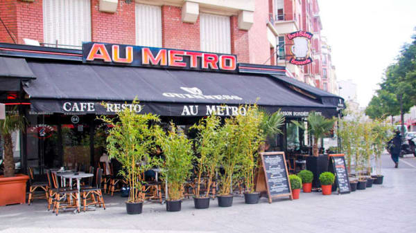 Entrée - Au Métro, Paris