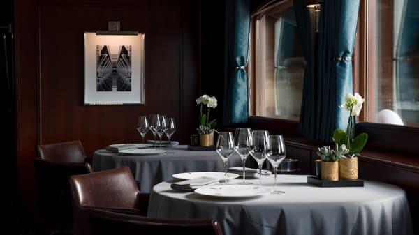Vue des tables - Don Juan II - Yachts de Paris, Paris