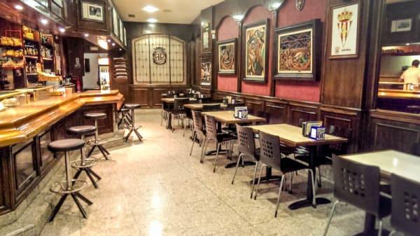 Cafetería - Arosa, Gijón