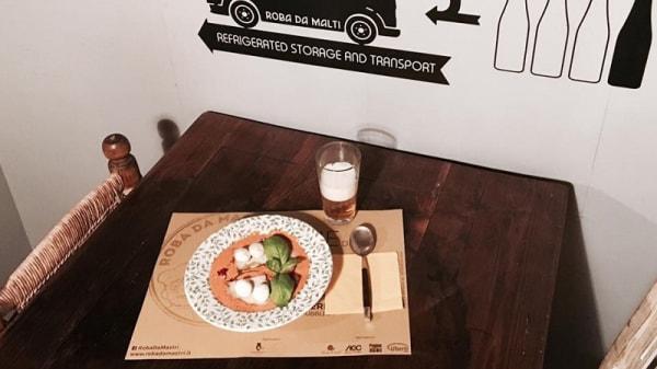 Particolare tavolo - Roba da Malti, Terni