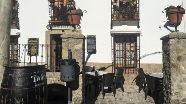 Entrada - Grazalema Plaza, Ubrique