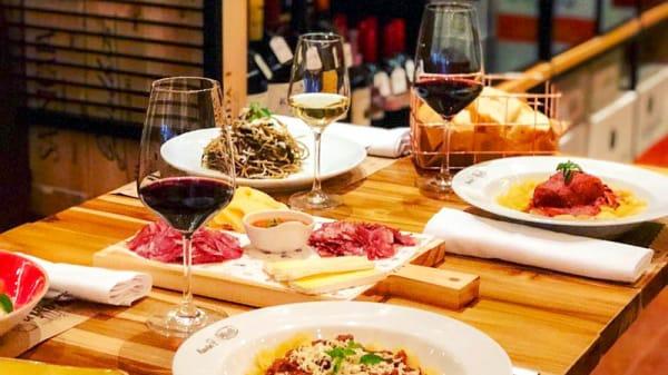 Sugestão do chef - Vinho e Pasta Ravin Pasquale, São Paulo