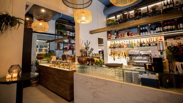 Sala - Cinc Food Parlour, Sitges
