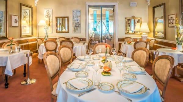 Salon du restaurant - Auberge Napoléon restaurant, Grenoble
