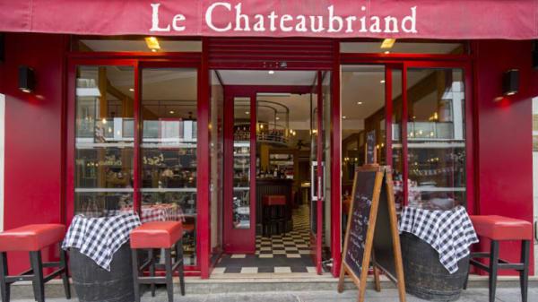 Devanture - Le Châteaubriand, Paris