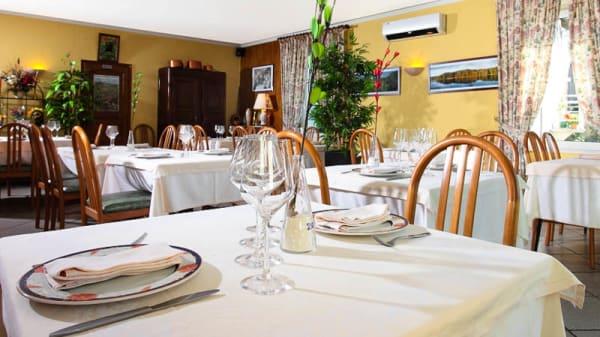 Salle du restaurant - Restaurant Colombié, Gorses