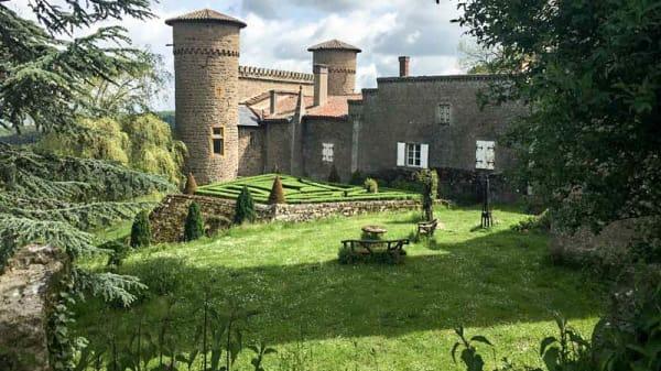 Château Saint Bonnet le Froid - Restaurant Les Terrasses de Saint Bonnet - Les Terrasses de Saint Bonnet, Courzieu
