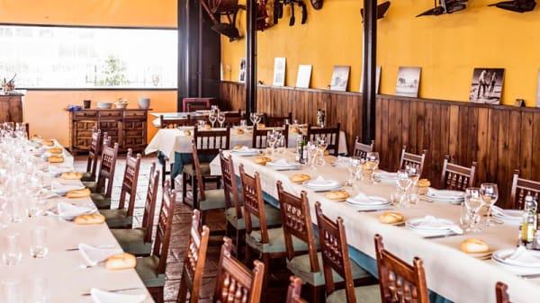 Sala del restaurante - Mesón el Rodeo, Yunquera De Henares