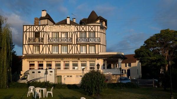 Hostellerie Saint Pierre, Saint-Pierre-du-Vauvray