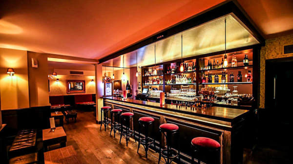 Vue de la salle - Infinito Bar, Neuilly-sur-Seine