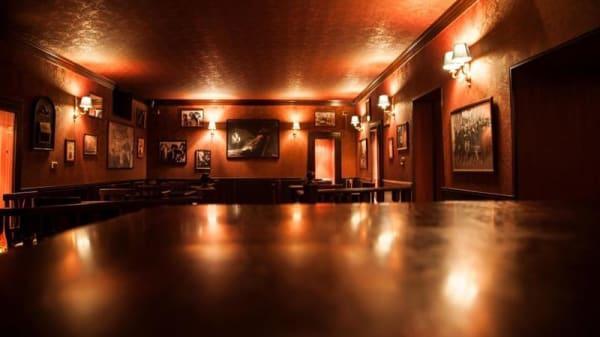 tipica atmosfera da locale inglese - The Phonogram Club, Ugento